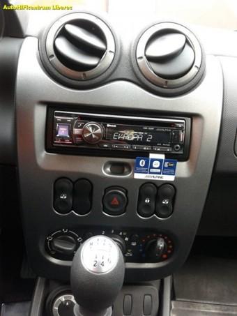 DACIA DUSTER rádio s handsfree + reproduktory