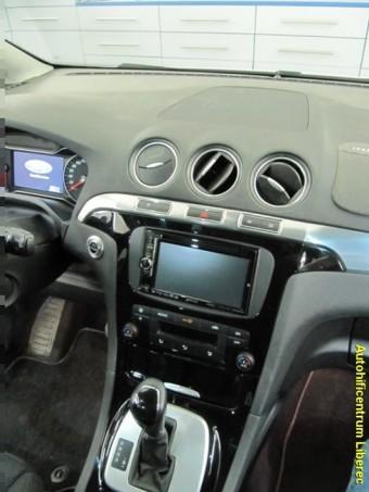 FORD S-MAX navigace, DVD, handsfree, couvací kamera