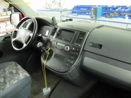 VW T5 dvd,bluetooth,navigace,stropní monitor,digitální TV tuner,couvací kamera