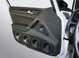 VW Golf 7 (4dv) - dveřní panely s 3pásmovým SoundSystémem