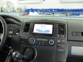 VW T5 dvd,bluetooth,stropní monitor,couvací kamera,digitální TV tuner