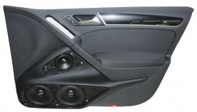 VW Golf 6 (4dv) - dveřní panely s 3pásmovým Soundsystémem